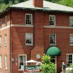 Elkhorn Inn & Theater